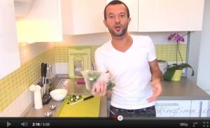 Малосольные огурчики - видео рецепт