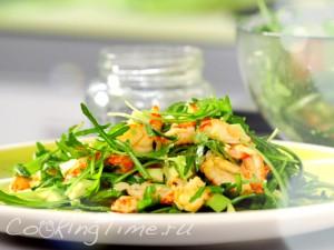 Салат с авокадо и раковыми шейками