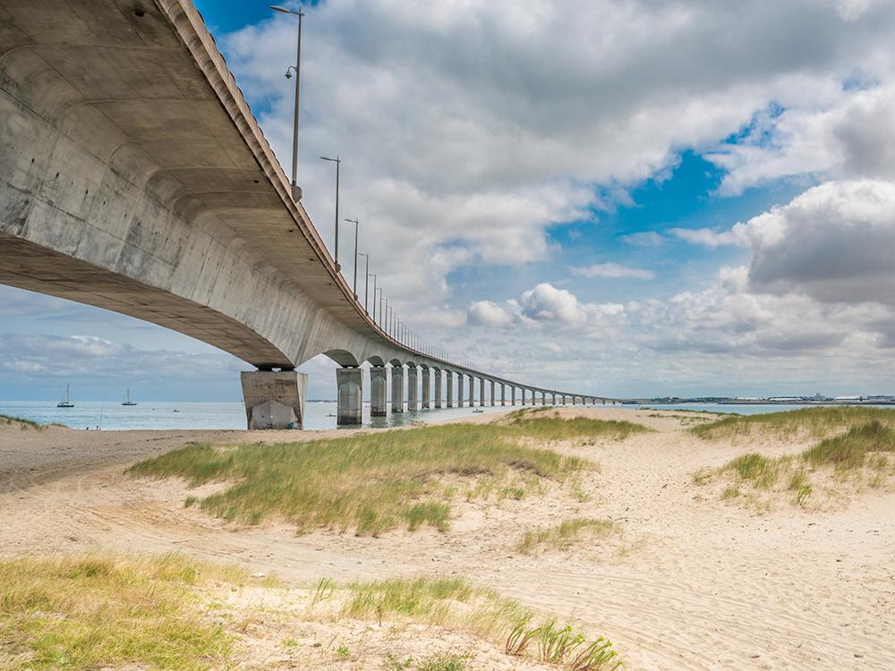 Мост на остров Ре