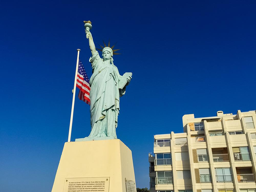 Статуя Свободы в Сулаке