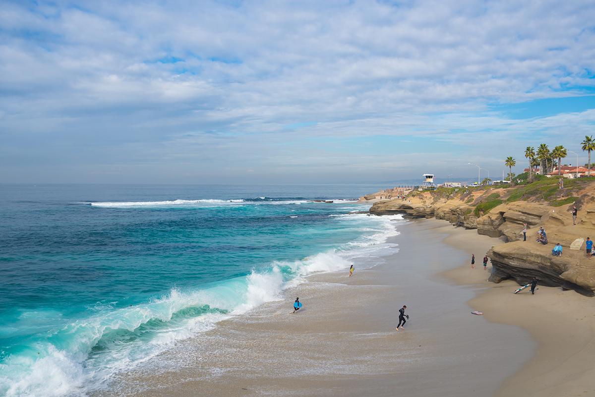 Живописный пляж в Ла Хойя
