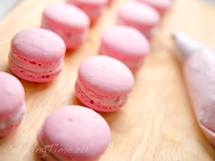 Макарон Малиновые - Raspberry Macarons